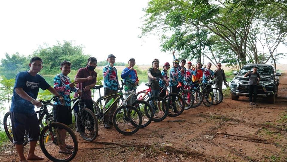 Ala Cekermo Sembari Menikmati Panorama Alam, Gibes Bike Club Sambangi Agro Wisata Penyenang